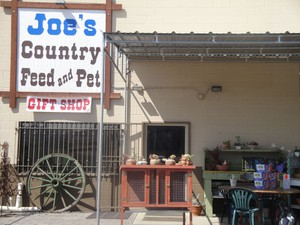 Joe's Country Feed & Pet logo